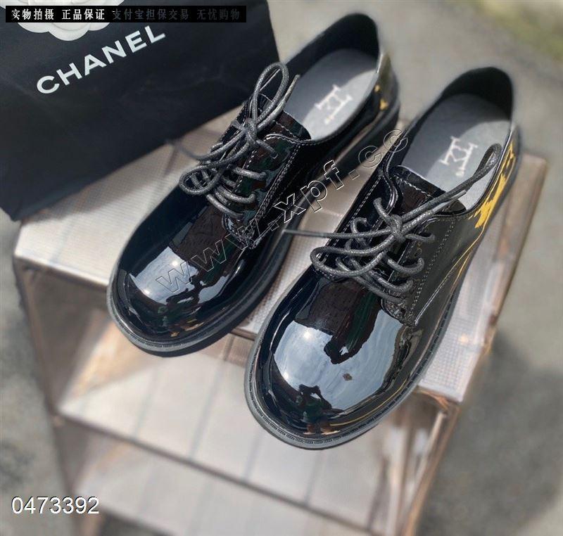 爆款时尚单鞋