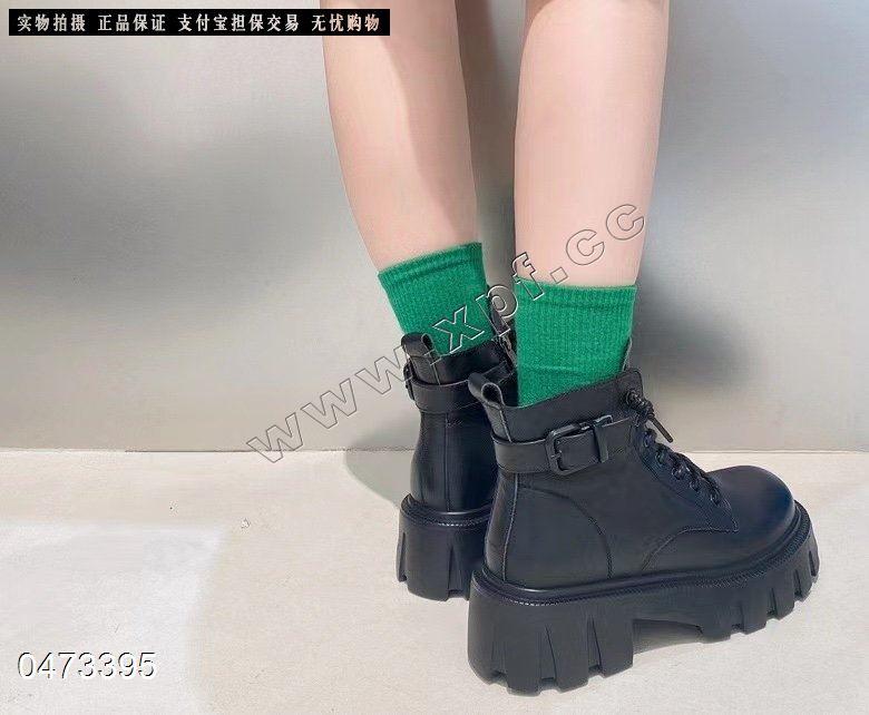 爆款大皮时尚百搭短靴